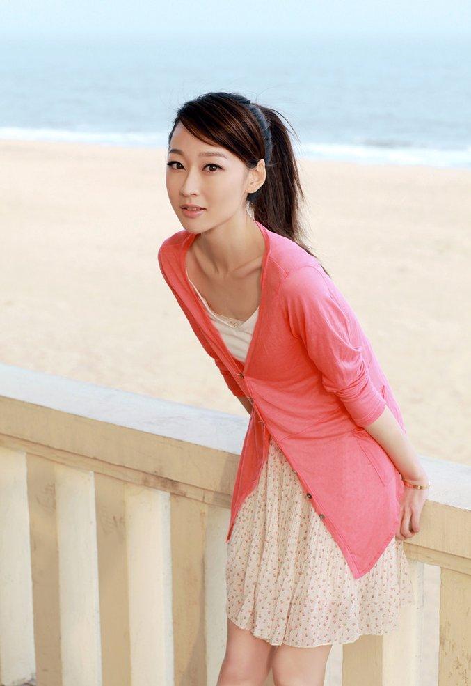 程瑶瑶,1986年3月18日出生于山东省青岛市,中国内地影视