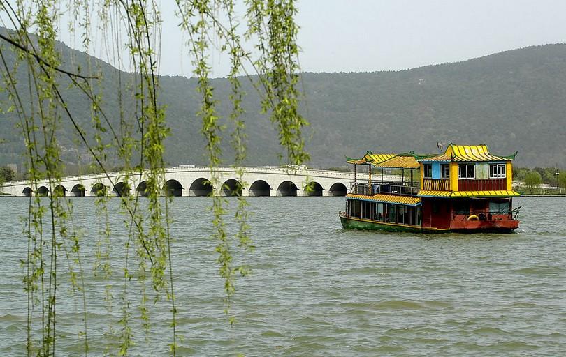"""尚湖风景区被当地人民称之为""""尚湖湾"""",尚湖湾地处江南名城——常熟"""
